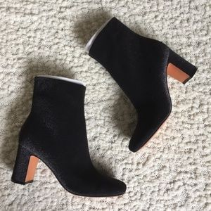 NWT Marc Fisher LTD Grazie Bootie Black Shimmer 10